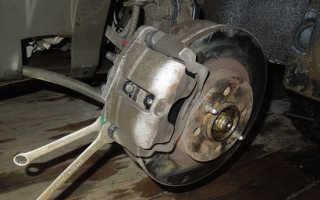 Замена передних тормозных колодок на Лада Приора своими руками