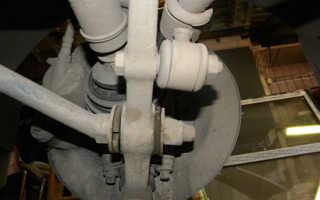 Замена «ромашек» (сайлентблоков рычага), втулок и стоек стабилизатора на Лада Гранта