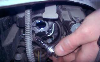 Как заменить лампочку ближнего света на Lada Vesta?