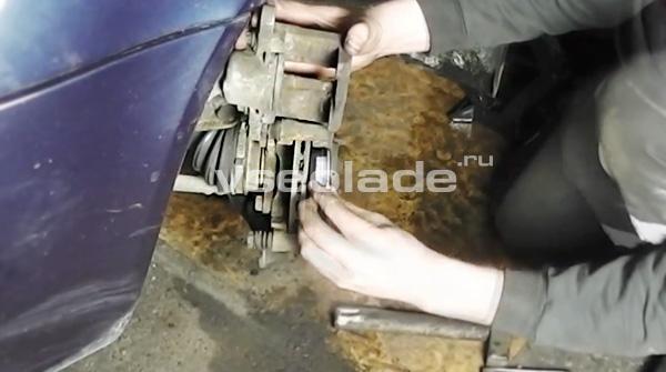 передние тормозные колодки Лада Калина