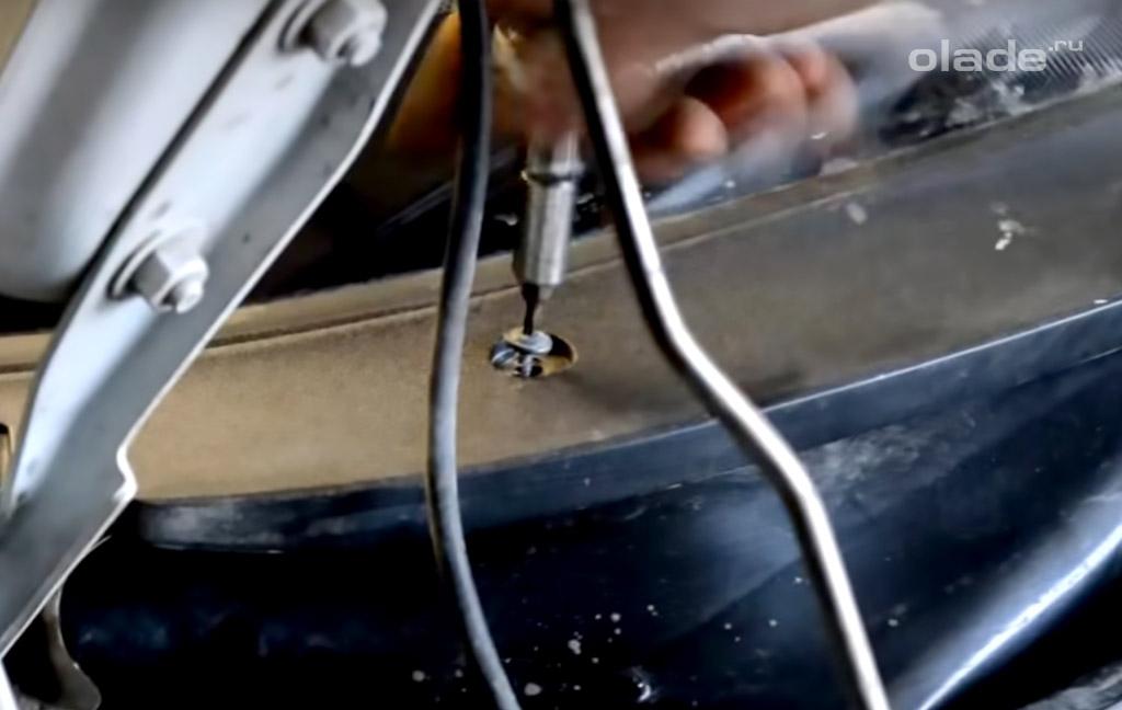 Замена трапеции стеклоочистителя на Ладе Гранта своими руками (фото 1)