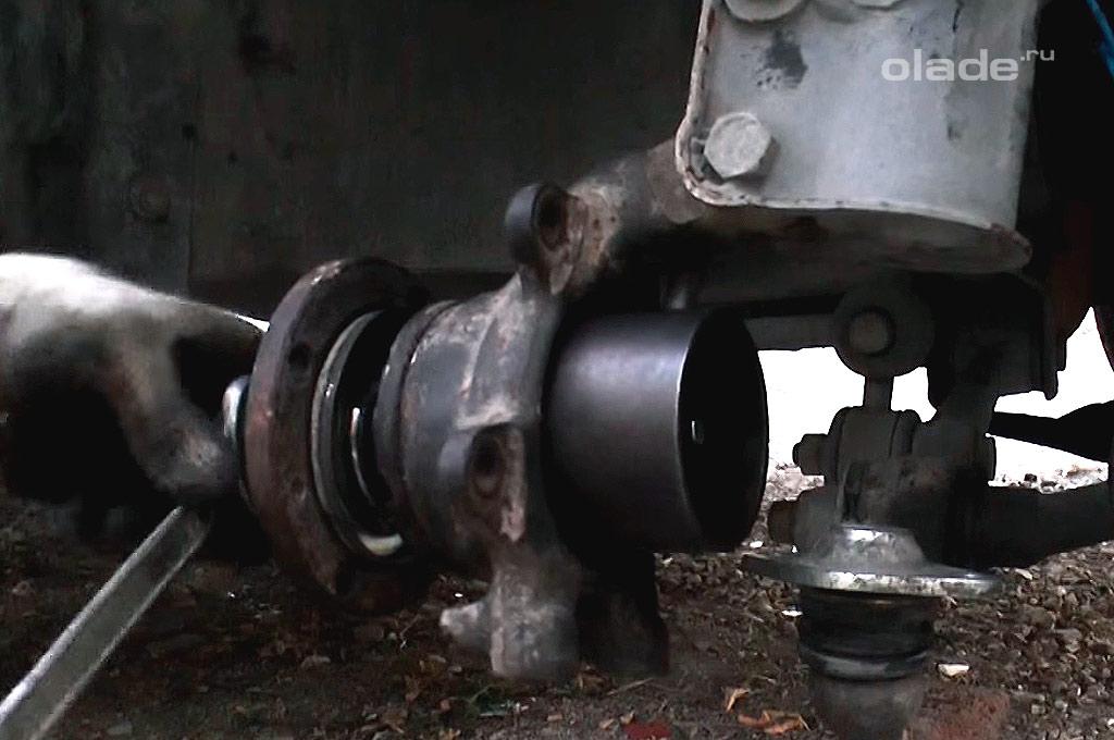 Замена переднего ступичного подшипника на Ладе Гранта (фото 12)