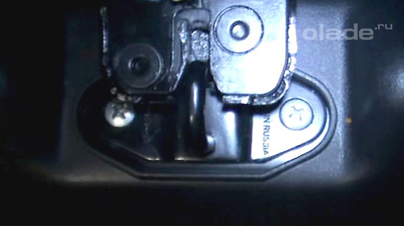 Регулировка замка крышки багажника Лады Гранта (фото 1)