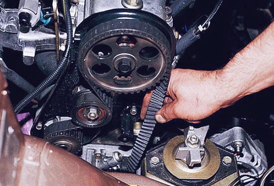 Замена ремня ГРМ ВАЗ 2110 и натяжного ролика своими руками