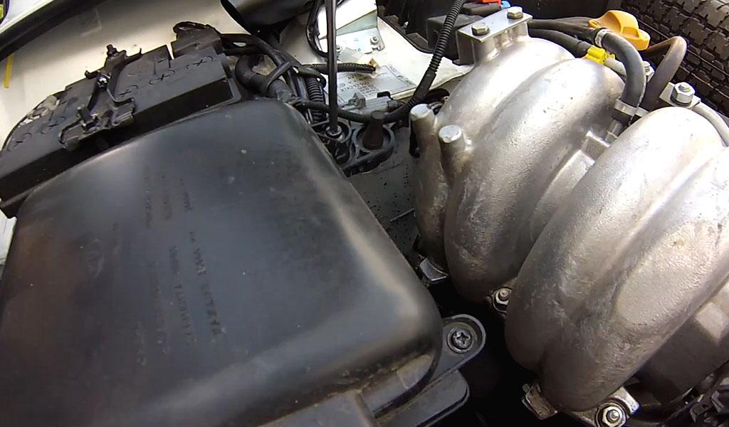 Замена воздушного фильтра Lada 4x4 Urban (фото 3)