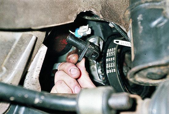 Самостоятельная проверка и замена датчика положения коленвала ВАЗ 2110