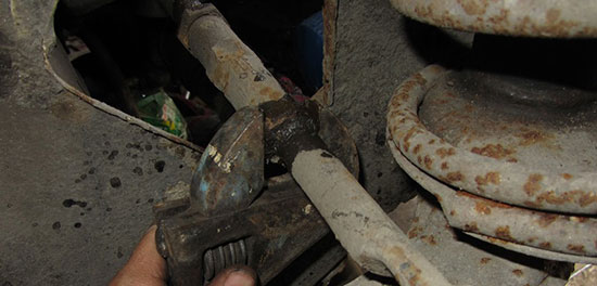 Замена рулевых наконечников на ВАЗ 2110 своими руками