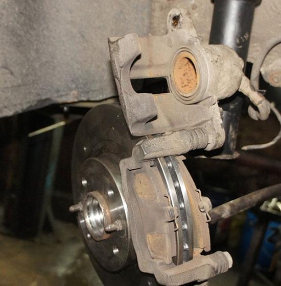Правильная замена тормозных колодок ВАЗ 2115 своими силами