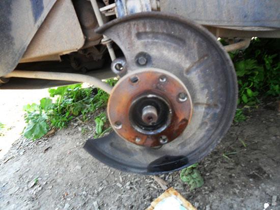 Как заменить тормозной диск своими силами