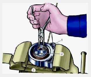 Извлекаем стопорное кольцо из пром опоры
