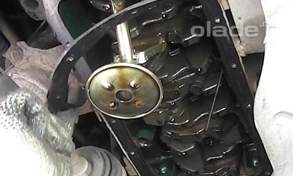Замена прокладки поддона двигателя Лады