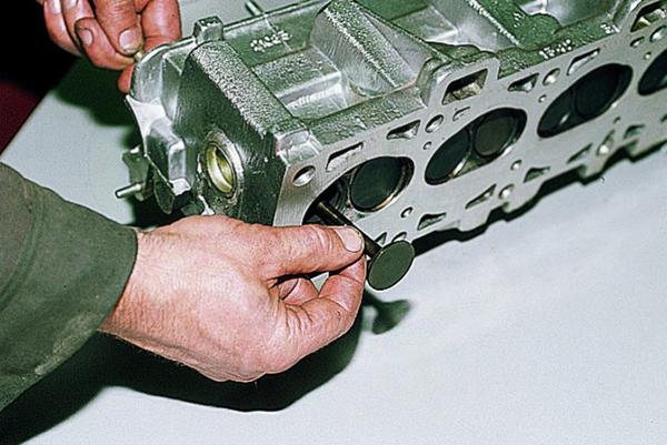 Как снять ГБЦ на ВАЗ 2109. Замена прокладки головки блока цилиндров своими руками