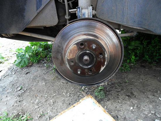 Процесс замены тормозных дисков ВАЗ 2114