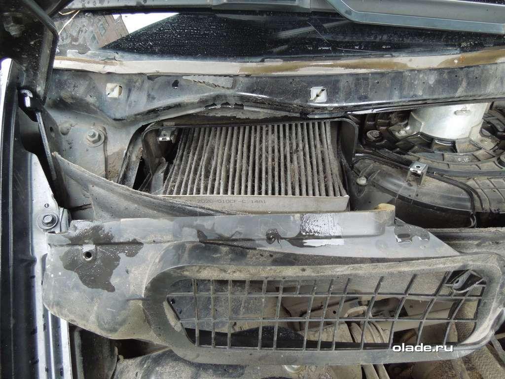 Замена салонного фильтра Лады Приора без кондиционера (фото 5)