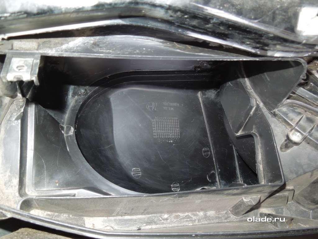 Замена салонного фильтра Лады Приора без кондиционера (фото 6)