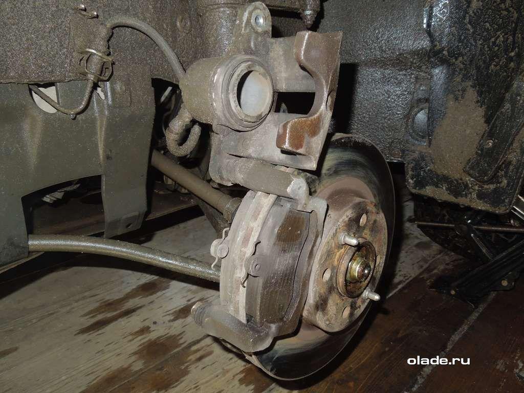 Замена тормозных колодок на Ладе Приора (фото 5)