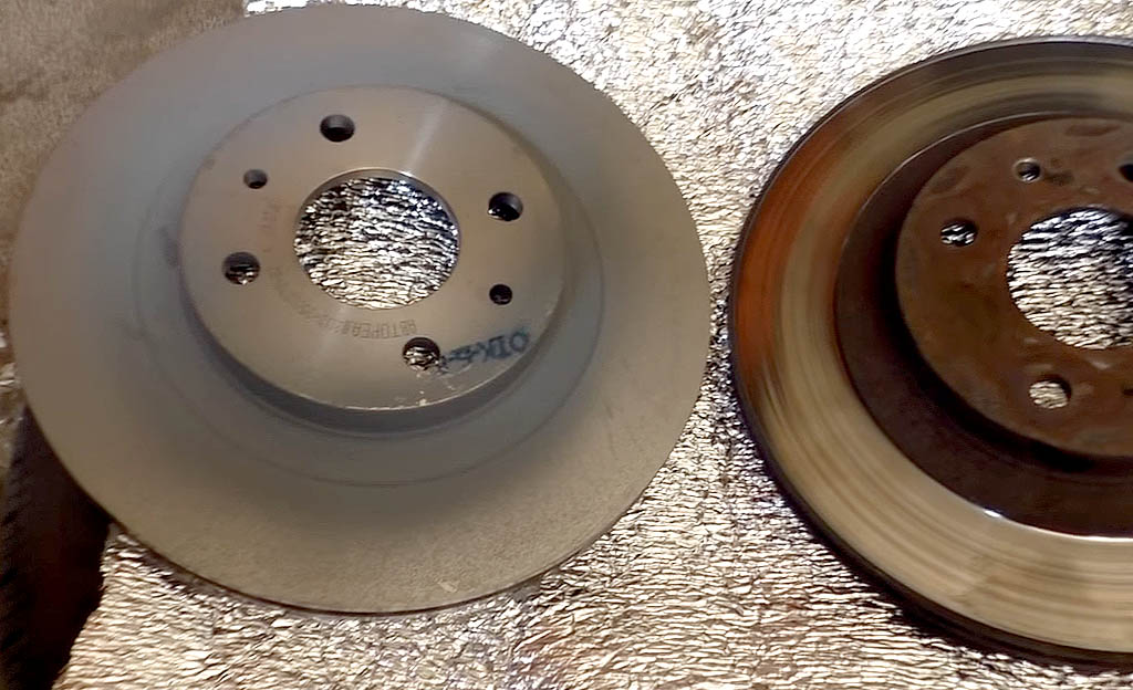 Замена тормозных дисков на Ладе Приора, старый и новый тормозной диск